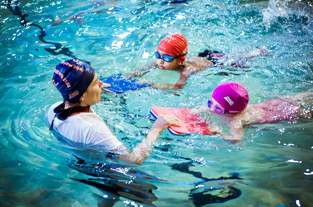 5 tips for teaching a deaf child to swim - Hearing Like Me