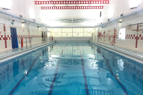 showing the 25 meter swimming pool in southfields, London